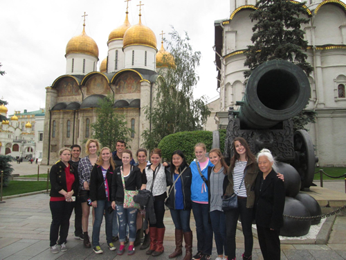Students on the 2015 UGA Study Abroad program in Russia at the Kremlin, standing in front of the Tsar Cannon